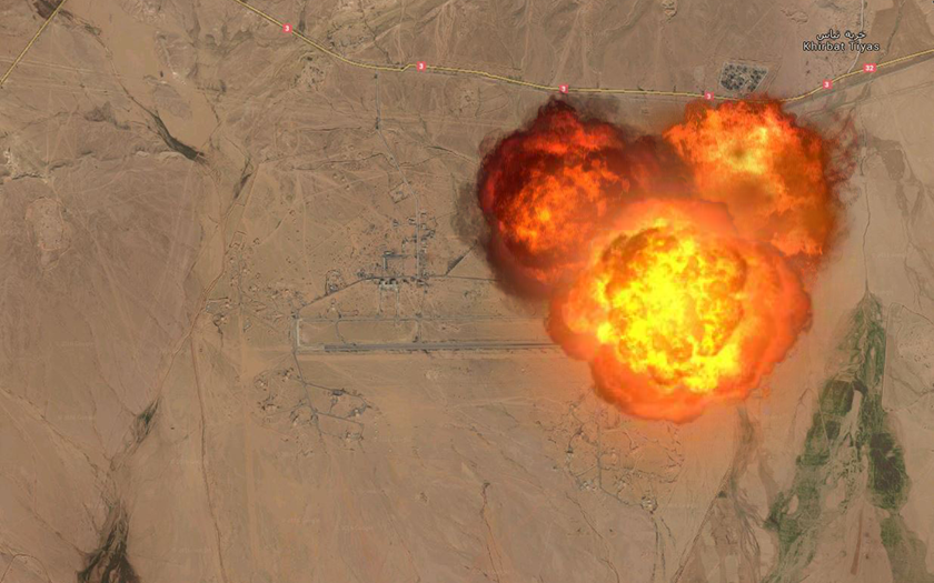 ISIS zaútočil na leteckou základnu v Sýrii, hoří ruské vrtulníky