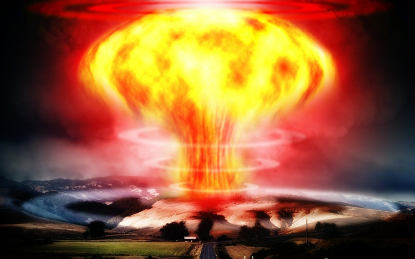 """Přichází """"jaderné peklo,"""" které smete z povrchu zemského USA i Británii: západní tabloidy straší čtenáře novou ruskou raketou"""