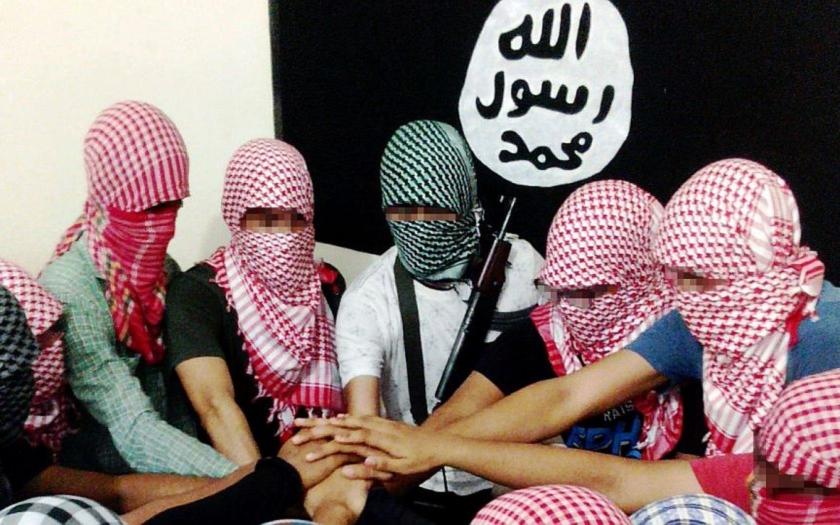 Německá policie zatkla pět islámistů, jsou podezřelí z verbování pro IS