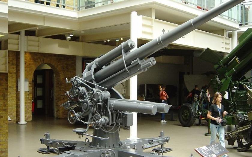 Flak kalibru 88 mm - jedna z najobávanejších zbraní druhej svetovej vojny.