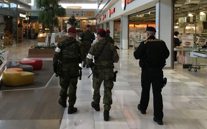 Ministr vnitra Chovanec: Česká policie přijímá mimořádná bezpečnostní opatření