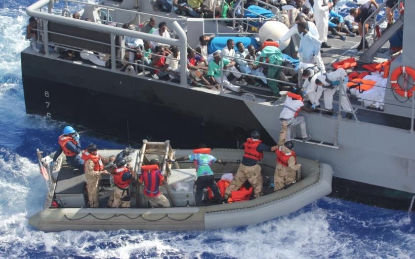 Evropská unie vybízí uprchlíky k cestě do Evropy, tvrdí šéf libyjské pobřežní stráže