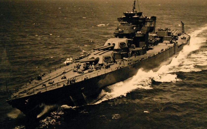 Život námořníka na bitevní lodi okolo roku 1925 pohledem kamery