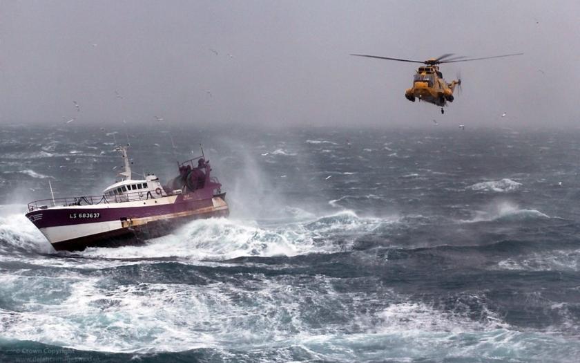 Velká Británie nechrání svoje hranice. &quote;Je to bezpečnostní hazard,&quote; tvrdí bývalý šéf Královského námořnictva