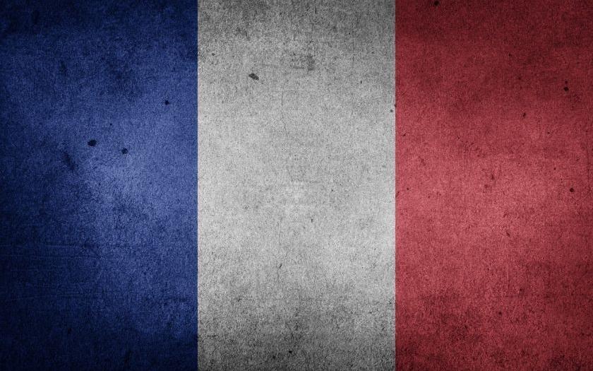Teroristický útok ve Francii. Islámista zavraždil policistu a jeho ženu