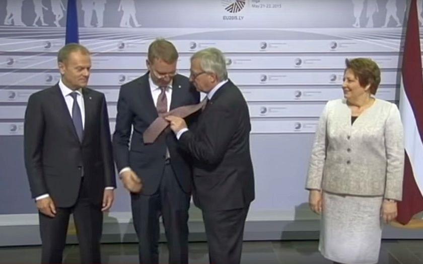Šéf Evropské komise Juncker: &quote;Alkoholik nejsem, nelíbám koho potkám a taky neodstoupím&quote;