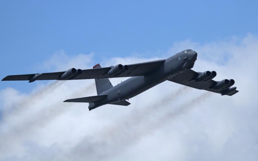 Video: Vulcan z bombardéru B-52H v akci