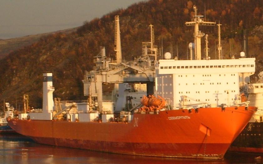 Ruská Severní flotila dováží tisíce tun zásob na své arktické základny