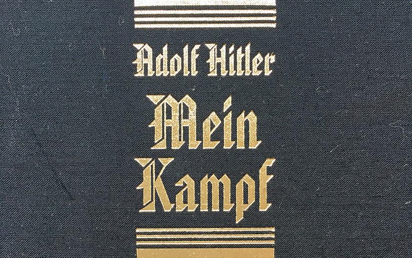 V České republice znovu vyšel Mein Kampf. Je to propagace nacismu?