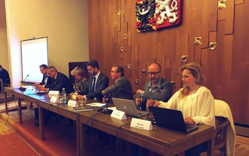 Drábová na semináři: Potřebovali bychom uprchlíky v Jaderném ústavu