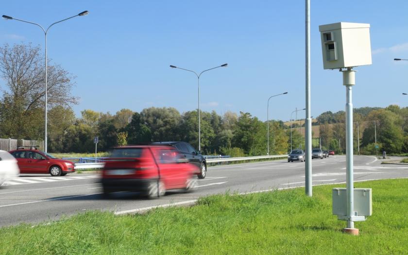 Poslanec Ondráček k možnému odebrání pravomoci strážníkům měřit rychlost