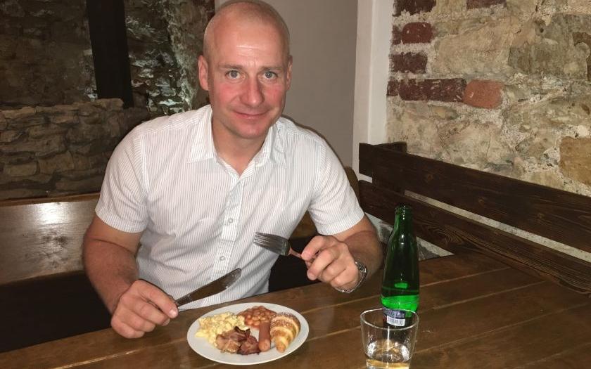 Lidinský (Úsvit NK) nad Anglickou snídaní: Imigrace rozhodla referendum