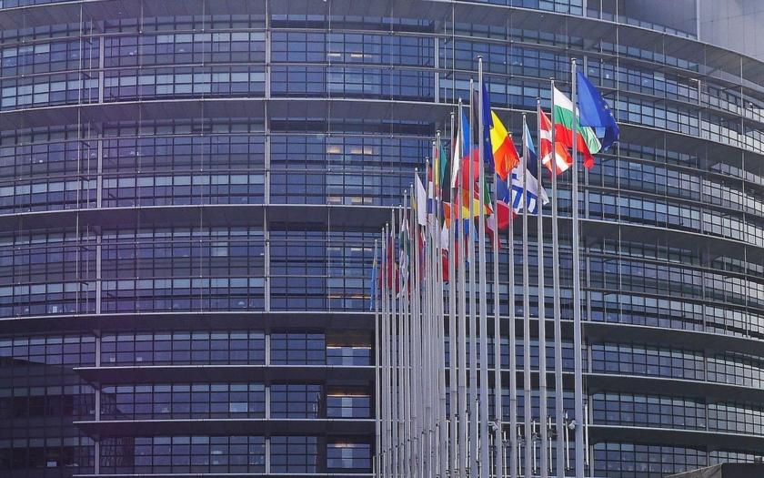 Evropský parlament vyzývá k zavedení pozitivní diskriminace (komentář Lumíra Němce)