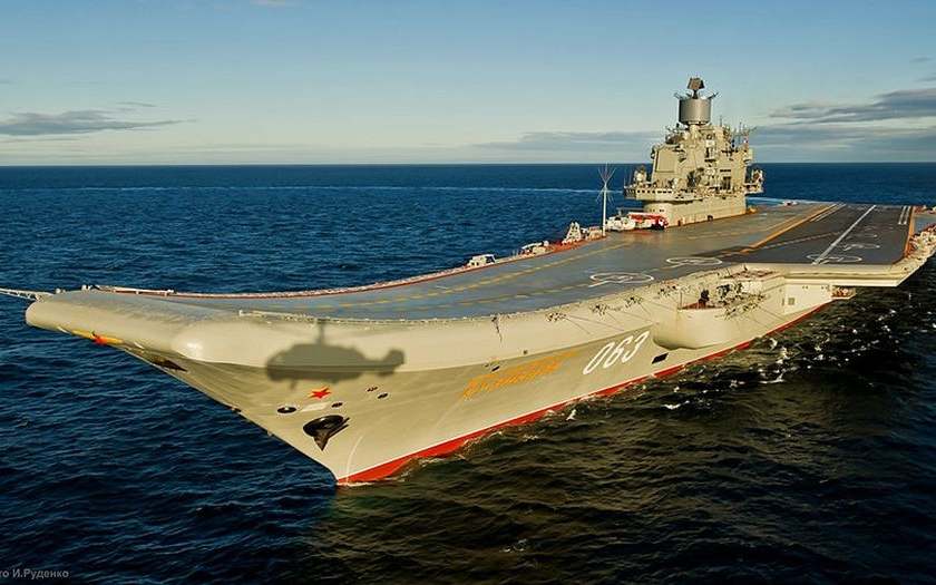 Rusko nasadilo proti IS těžký letadlový křižník Admirál Kuzněcov