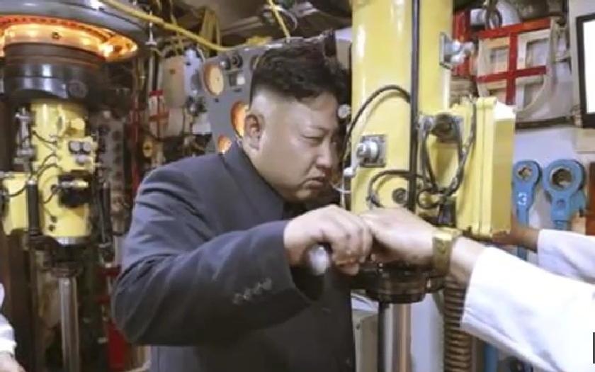 Kim má odpalovací tlačítko k jaderným zbraní na stole