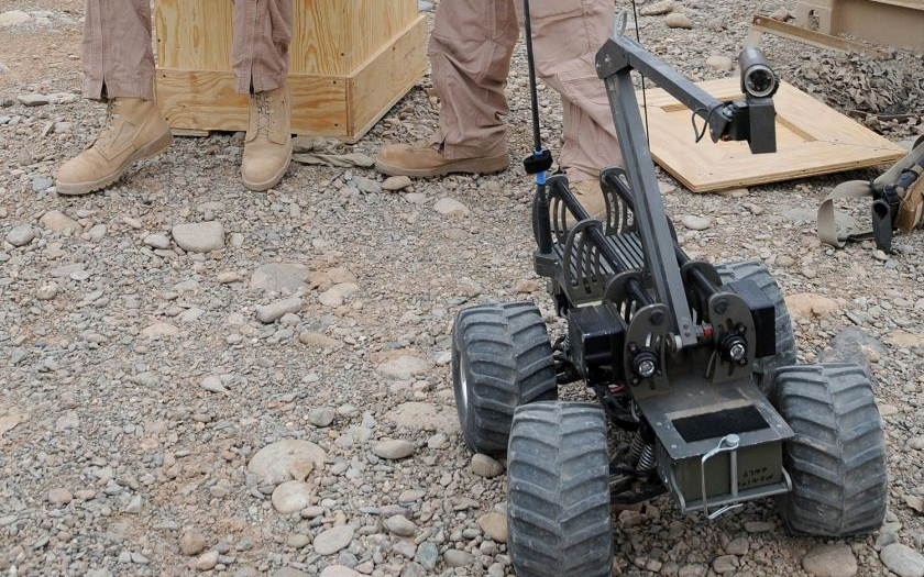 Policisté v Dallasu použili poprvé v USA robota k usmrcení útočníka