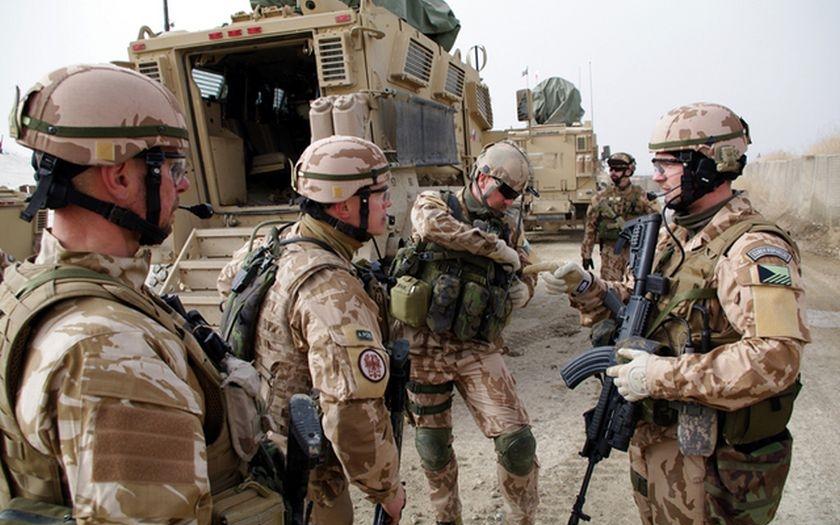 Video: V Afgánistánu společně bojují a umírají Kanaďané, Australané, Britové, ale i Češi