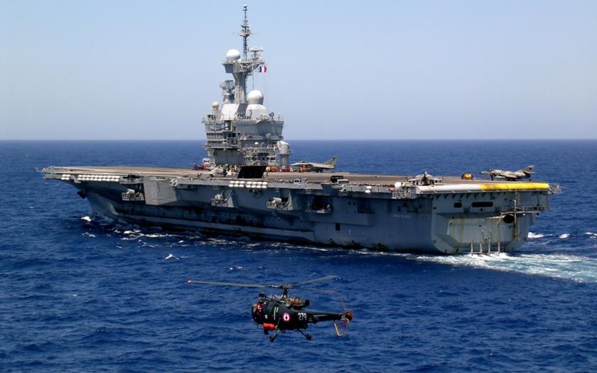 V říjnu zaútočí na ISIS francouzská letadlová loď Charles de Gaulle