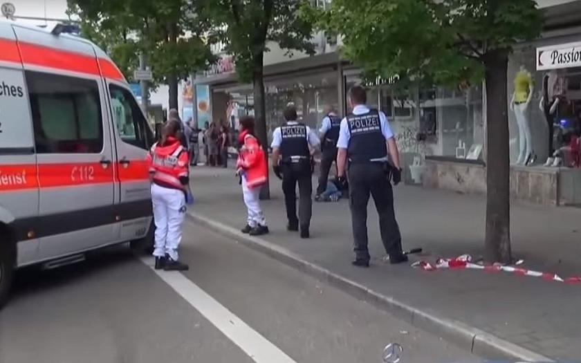 V Marseille najelo auto do dvou zastávek, nejméně jeden mrtvý