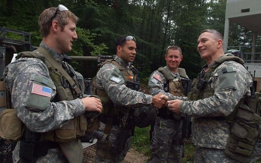 Z americké vojenské základny u Stuttgartu byly odcizeny střelné zbraně