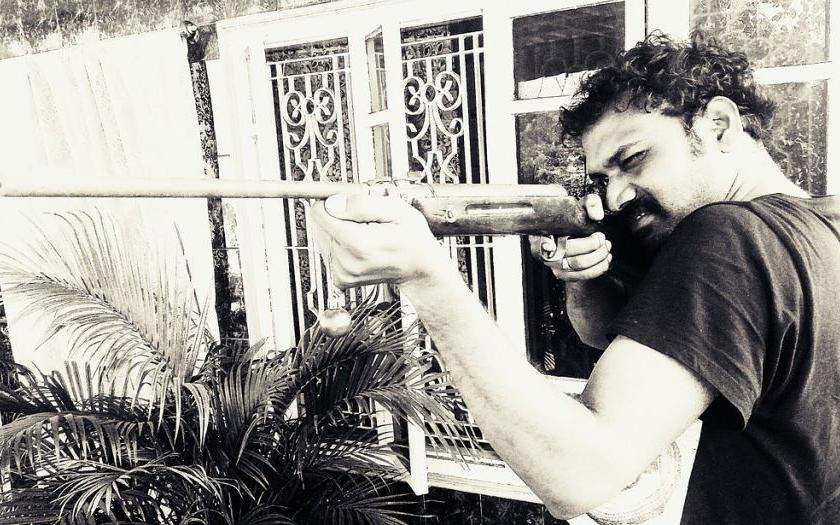 Záporňáka se zbraní v ruce zastaví jenom slušný člověk, který má zbraň