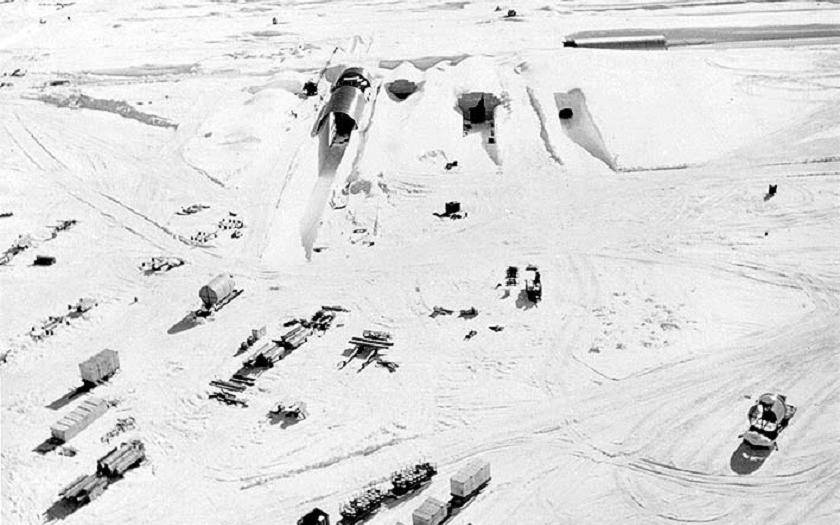 Desítky let opuštěná americká základna s jaderným reaktorem se vynořuje z ledu