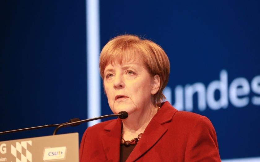 Příští vláda už možná bez ,,Frau Merkel&quote;. Ta hraje o svou politickou budoucnost