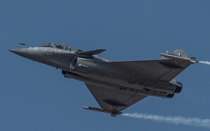 Indie plánuje utratit 233 miliard dolarů za stíhačky, válečné lodě a ponorky