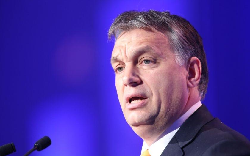 Orbán předložil návrh na zpřísnění neziskových organizací