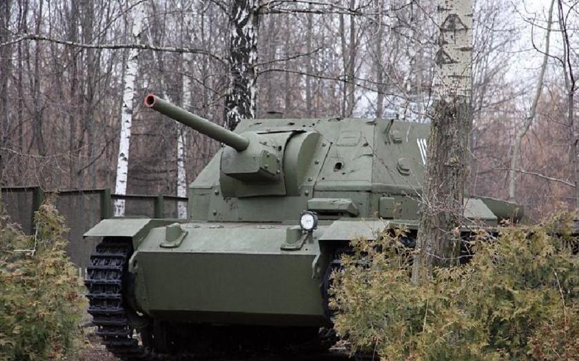 Sovietská úprava tanku Panzer III - stroje SU-76i a SG-122