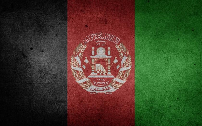 Nejméně 35 mrtvých po srážce autobusu a cisterny v jižním Afghánistánu