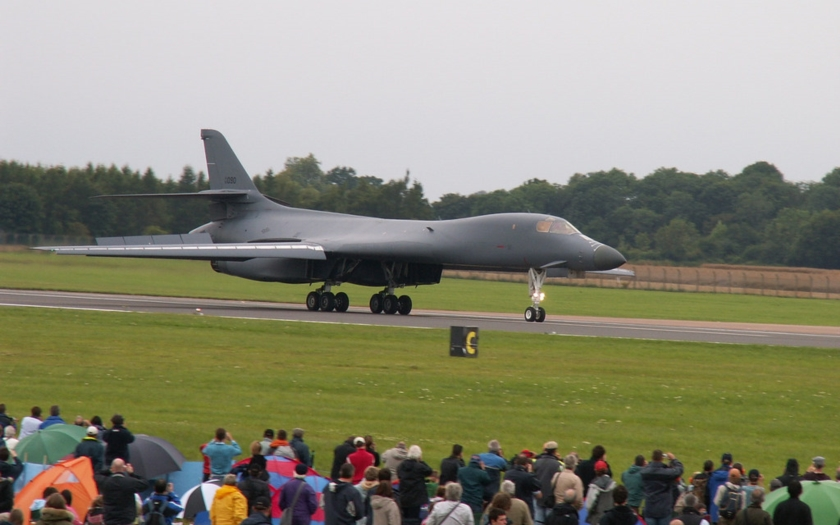Video: Americký strategický bombardér B-1B Lancer poprvé v ČR