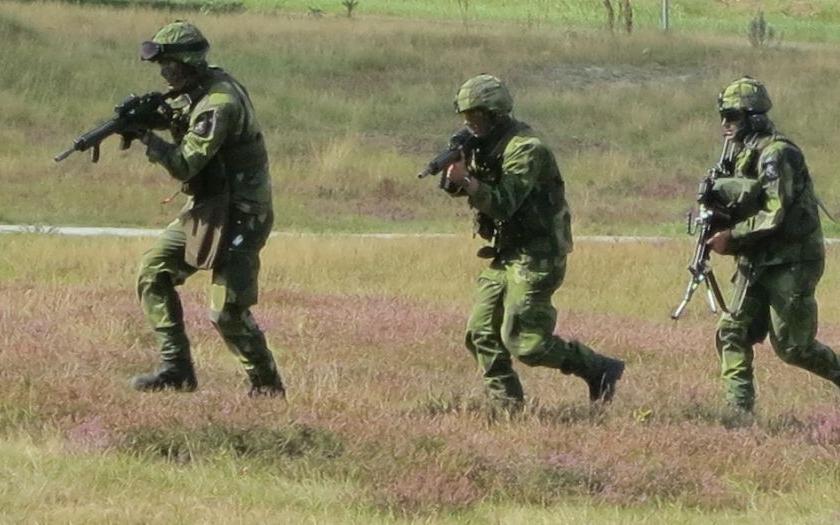 Švédsko z obavy před ruskou agresí navrhuje znovuzavedení branné povinnosti