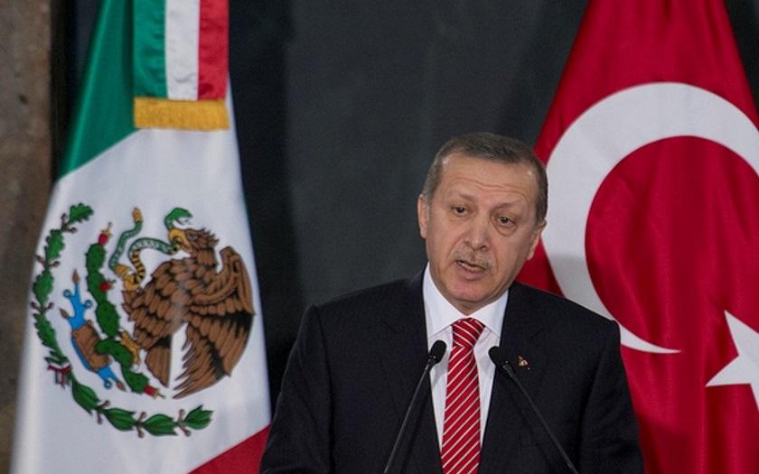 Erdogan bude společně s Trumpem úzce spolupracovat na poražení IS v Sýrii. Domluvili se po telefonu