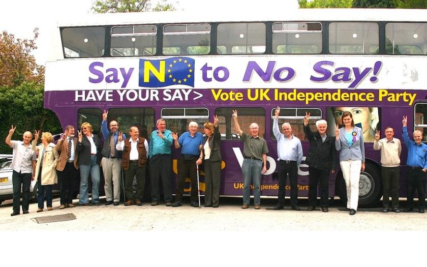 Europoslanci britské strany UKIP se poprali. Jeden z nich skončil ve vážném stavu v nemocnici