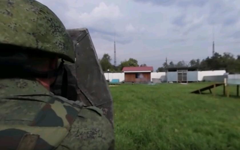 Cvičenie Ruskej gardy (VIDEO 360°)