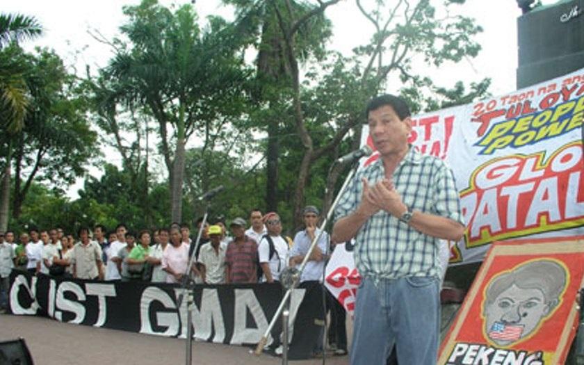 Zabiju vás, pokud jste na mém narkolistu, vzkázal filipínský prezident starostům