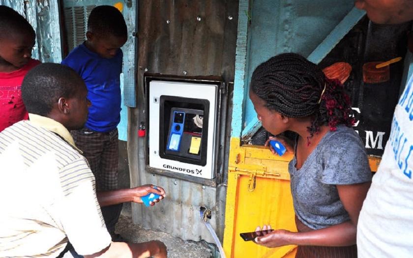 Vodní kiosky od firem Ericsson a Grundfos zajišťují pitnou vodu v Keni
