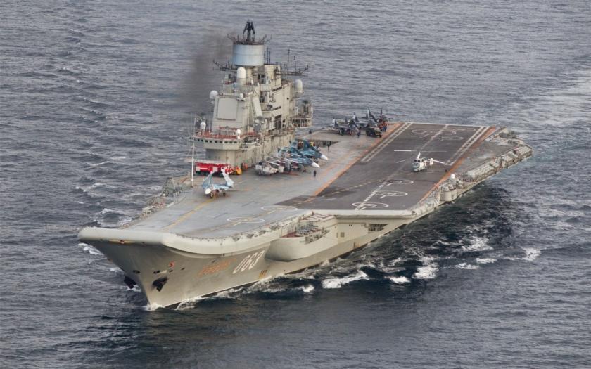 Je jediná ruská letadlová loď peklem pro svou posádku?