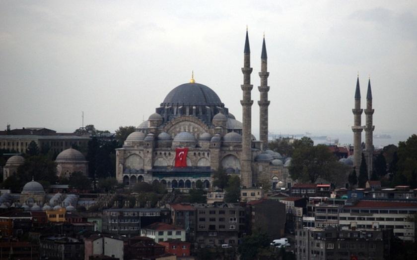 Muslim, který se stal ateistou, čelí šikaně a dostává denně výhrůžky smrti