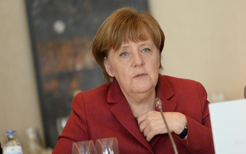 Môže Merkelová za smrť stoviek migrantov ? Europoslankyňa strany AfD tvrdí, že áno