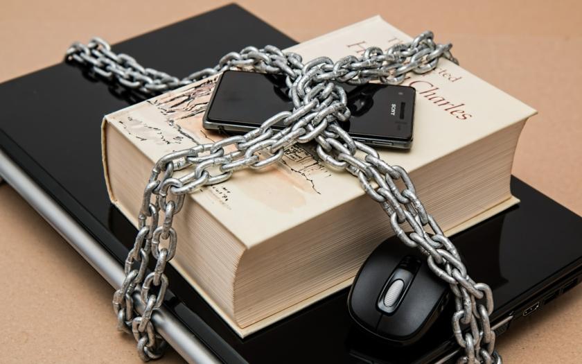 O otrokářství psát nesmíš aneb antiomluva