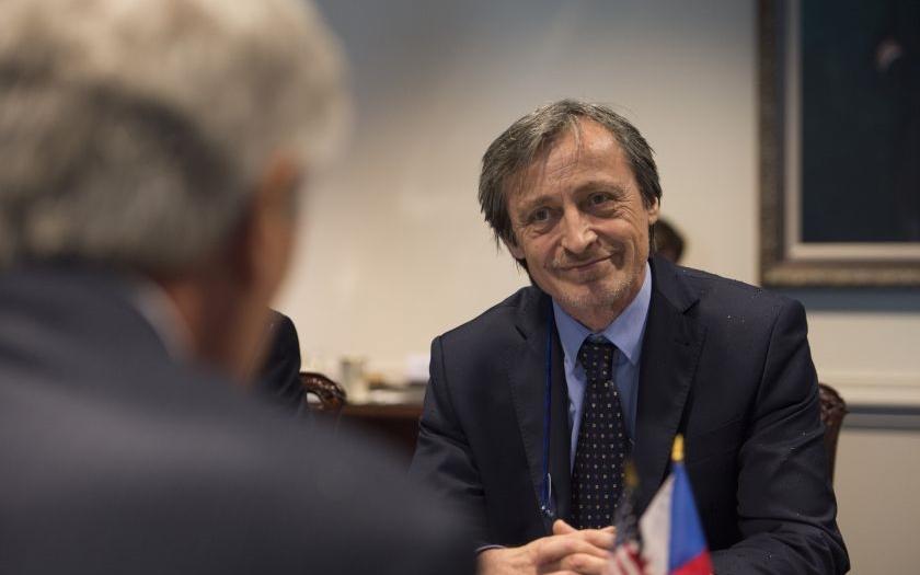 Ministr obrany Stropnický v OVM: &quote;Rusko financuje dezinformační kampaň po západní Evropě&quote;