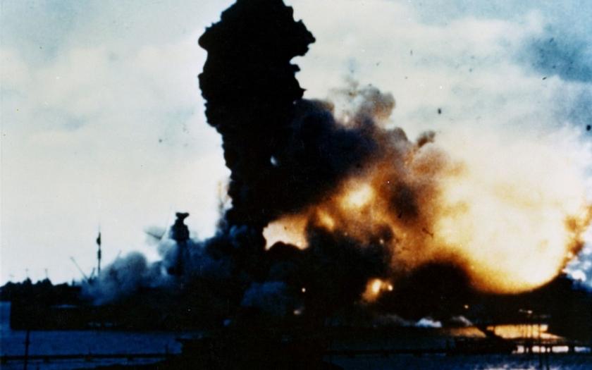7. prosince 1941 napadlo Japonsko Pearl Harbor
