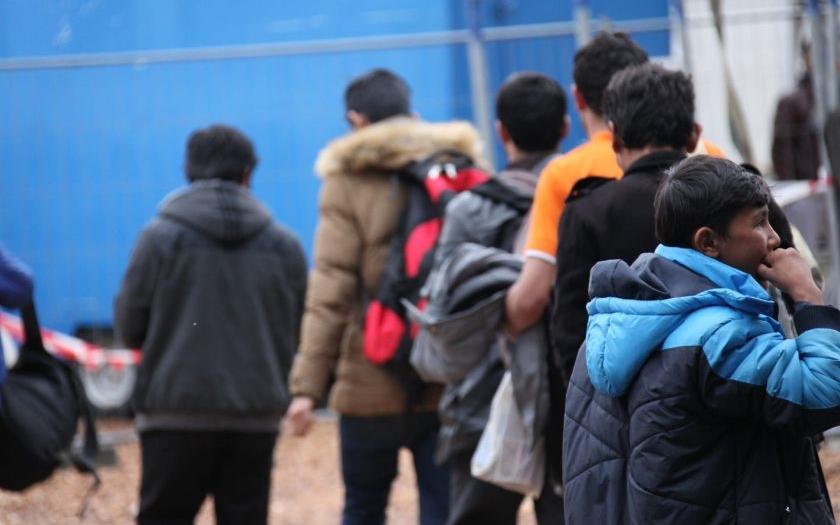 Vyhoštěný irácký uprchlík si stěžuje na českou policii u Ústavního soudu