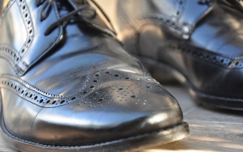 GIBS obvinila kvůli botám pro policii 4 lidi a firmu Blažek