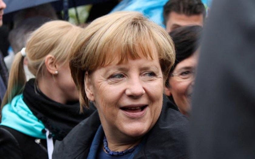 Němci si špatně vyhodnotili fenomén migrace, proto Merkelová nejspíš neobhájí funkci kancléřky, říká politolog Petr Robejšek