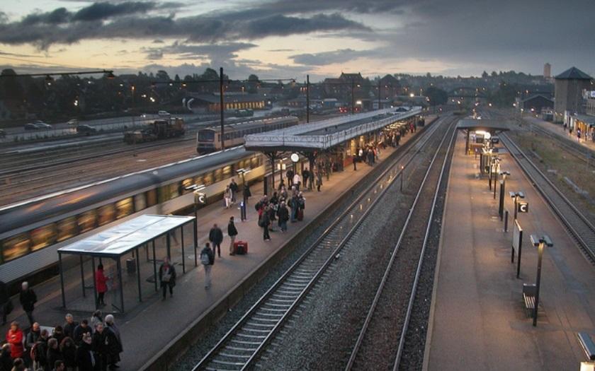 Němečtí kriminalisté upozornili na nebezpečí útoků na železnici
