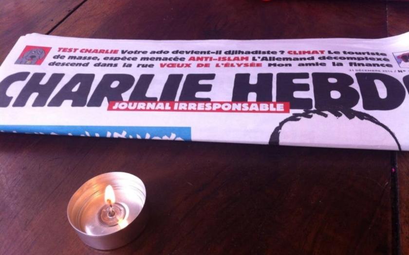 Časopis Charlie Hebdo zesměšňuje Německo a jeho &quote;protiteroristická opatření&quote;