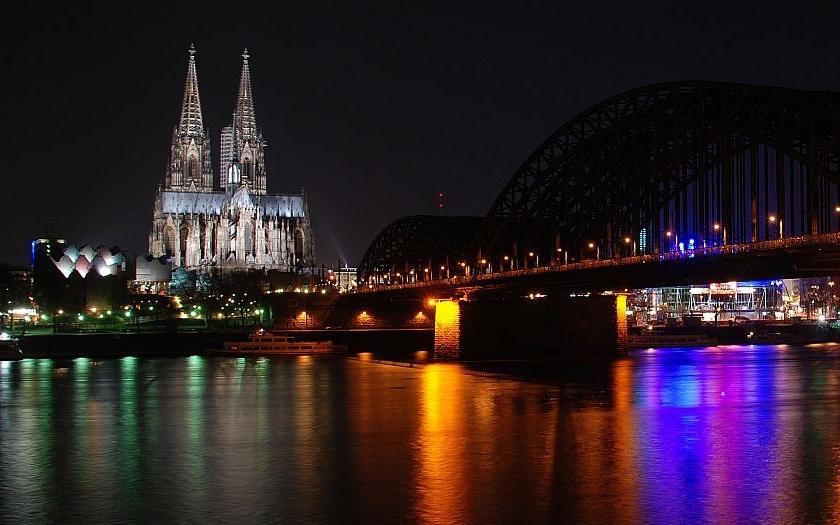 Kolín nad Rýnem se připravuje na oslavy Silvestra. 1500 policistů a betonové zátarasy